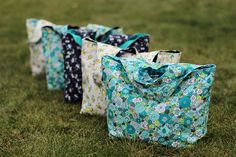re-usable grocery bags   made by 2littlehooligans + pattern by gingercake/sewing to sell book