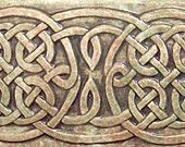 Decorative knotwork, the most identifiable type of Celtic art produced by the ancient Celts has been steeped in mystery for some thousand ye. Celtic Symbols, Celtic Art, Celtic Knots, Celtic Patterns, Celtic Designs, Celtic Green, Tuile, Handmade Tiles, Handmade Ceramic