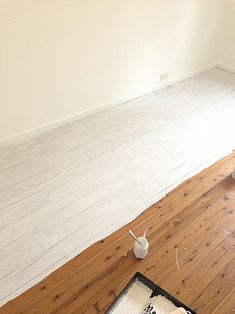 Beach Cottage in Chaos – Painting Floors