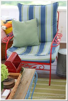 Finding Cushion for Vintage Outdoor Furniture with Finding Home