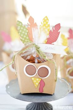 19 Creative DIY Place Cards for Your Turkey Day Table