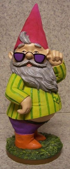 Garden Accent Extra Large Sunglass Vacation Gnome NEW Freestanding 10 3/4 tall