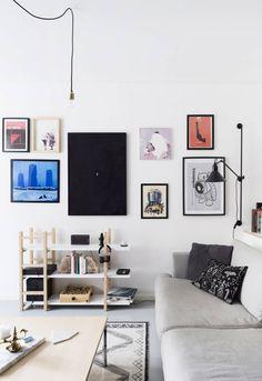 Muotoilijan kodissa lähes jokaisella esineellä on oma tarina Gallery Wall, Homes, Interior, Home Decor, Houses, Decoration Home, Indoor, Room Decor, Home