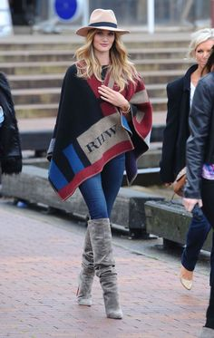 Burberry-personalized-Checked-Cape- 2014
