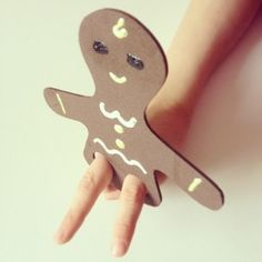 "gingerbread man finger puppet - love! So easy and I love that your fingers can do the ""running"". :)"