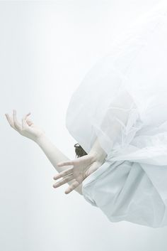 inspirational photography and white design | Fashion + Photography | Photo: sara*teresa @ Flickr |