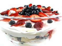 """""""No Bake"""" Skinny Strawberry Shortcake Trifle, Ready in Minutes! If you're short on time, this big on flavor dessert is perfect to make. So easy, quick and absolutely yummy! The skinny for 1 serving, 120 calories, 0 fat and 3 Weight Watchers POINTS PLUS."""