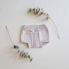 @inakm En liten bleiebukse har hoppet raskt på og av pinnene her. Oppskrift fra @tiddelibom.no. Nå er det tid for litt teststrikk. #hullmønstretkortbukse #SandnesGarn @sandnesgarn #klompelompegarn #klompelompemerinoull Baby Knitting, Boho Shorts, Romper, Knitting Patterns, Inspiration, Instagram, Fashion, Overalls, Biblical Inspiration