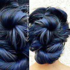 Gorgeous blue by Raina Leon! STEP ONE: #KenraColor 7SM and Blue Booster equal parts with ribbon of 1N, 1:2 9 volume melted down to mid-length into 7SM and Blue Booster to ends with 3:1 color ratio and 1:2 developer ratio, respectively. STEP TWO (for 18 inch extensions): Color melt of Step One formula from weft to mid length of extensions then melted down to ends with 10SM and Blue Booster (2 inch Blue Booster)