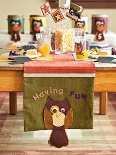 So cute. Owl theme for parties or fall decor.