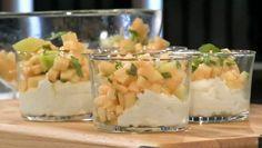 Semulegryn i kokosmelk med melon - Varm semulegrøt og kalde melonterninger. Det blir en god avslutning på frokosten. - Foto: Fra TV-serien Niklas' mat / SVT