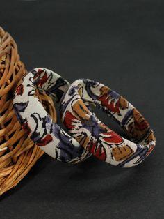 Join the bandwagon of Fabric Jewellery for Kalamkari is a traditional handblock printing technique. Fashion Jewelry Stores, Fashion Jewellery, Jewellery Sale, Fabric Necklace, Fabric Jewelry, Kalamkari Fabric, Terracotta Jewellery Designs, Thread Jewellery, Bead Crafts