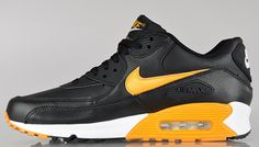 Nike Air Max 90 Essential - Black / Canyon Gold   WOOOW !