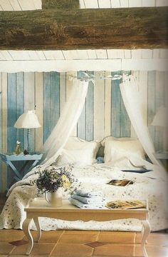 29 Romantic And Beautiful Provence Bedroom Décor Ideas - DigsDigs