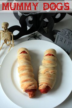mummy dogs, cute for kids and adults for Halloween #halloween. #cooking #food