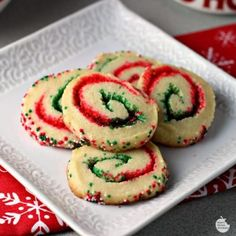 7 Insanely Easy Christmas Cookie Recipes To Make All Season Long