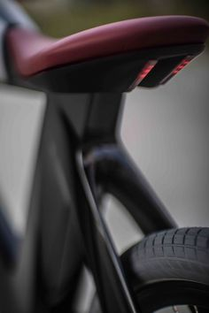 Café Racer Inspired Mixed Bread Bicycle Electric Motorcycle The Spa Bicicletto. Seat comes with LED stop-light Mountain Bike Shoes, Mountain Bicycle, Mountain Biking, Cafe Racer Magazine, Bike Details, Road Bike Women, Bicycle Lights, Bicycle Accessories, Bike Parts