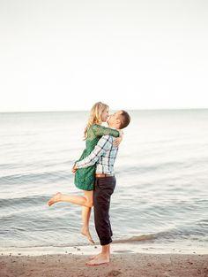 Lighthouse & beach e-sesh | Photography: Kristin La Voie Photography - kristinlavoiephotography.com