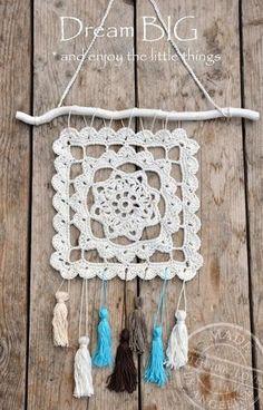 Dreamcatcher made by My own spot Inspiración p ✿ƬⱤ ღ www. Crochet Dreamcatcher, Crochet Mandala, Crochet Motif, Crochet Doilies, Crochet Flowers, Crochet Patterns, Knit Crochet, Crochet Decoration, Crochet Home Decor