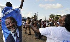 Comme il fallait s'y attendre la CPI a encore une fois rejeté la demande de mise en liberté provisoire déposée par les avocats de l'ex président ivoirien. Gbagbo restera donc en prison jusqu'à la prochaine audience consacrée au sujet.  Pouvait-il objectivement en être autrement quand on connait le dossier et quand on se remémore le