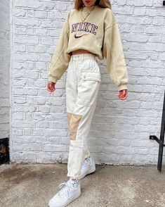 Fashion inspiration on whats your fav song at the moment thxmode thxmode natalieeleavitt Skater Girl Outfits, Hip Hop Outfits, Indie Outfits, Teen Fashion Outfits, Look Fashion, 70s Fashion, Vintage Fashion, Thrift Fashion, Grunge Outfits