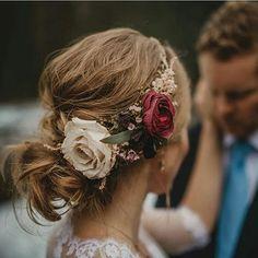 Muero con estos peinados tan maravillosos! #invitada #invitadas #invitadasconestilo #invitadaboda #invitadasbodas #lookboda #lookinvitada #invitadasespeciales #invitadasdeboda #boda #bodas #wedding #weddingguest #guest #style #fashion #moda #tocado #tocad