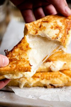 Mozzarella in Carrozza - Italian fried mozzarella sandwiches made with a creamy and oozy mozzarella centre and a crispy and delicious fried bread outside. A totally indulgent and comforting treat you'll be making again and again! Sandwich Melts, Italian Cheese, Dinner Sides, Mozzarella, Vegetarian Cheese, Soul Food, My Favorite Food, Italian Recipes, Bread Recipes