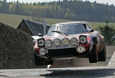 Hang time! Lancia Stratos... Gorgeous !