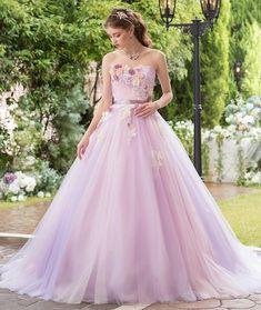 画像に含まれている可能性があるもの:1人 Pink Prom Dresses, Tulle Prom Dress, Party Wear Dresses, Bridal Dresses, Most Beautiful Dresses, Pretty Dresses, Rapunzel Wedding Dress, Wedding Gowns With Sleeves, Designer Dresses