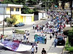 Exigen castigo por los estudiantes muertos en Iguala - http://notimundo.com.mx/mexico/exigen-castigo-por-los-estudiantes-muertos-en-iguala/17974