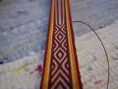 Gorgeous color scheme  More card weaving by Tarja_, via Flickr
