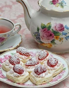 These tiny Heart Shortcakes with Strawberries are perfect for your next tea party  Source: www.pinkpiccadillypastries.blogspot.com.au