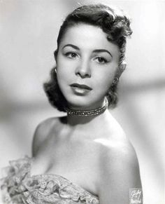 Eydie Gorme - An American Singer :: Eydie was a prominent figure in the latin music scene. She had vocal versatility that also gained success in contemporary show tunes, and country classics. #GraveyardGreats #EydieGorme
