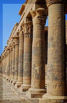 philae temple of isis columns