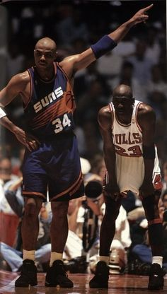 Charles Barkley of the Phoenix Suns and Michael Jordan of the Chicago Bulls match up against each other in a series basketball game in the NBA. The two have been close friends and adversaries on the court for a long time. Basketball Tricks, Basketball Pictures, Love And Basketball, Sports Basketball, Sports Pictures, College Basketball, Basketball Players, Basketball Uniforms, Houston Basketball