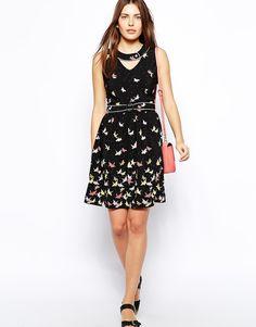 šaty Trollied Dolly Crossover Dress