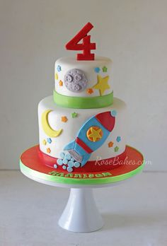 Rocket Ship Space Cake (Click over to see matching cookies!) #stars #4th #birthday