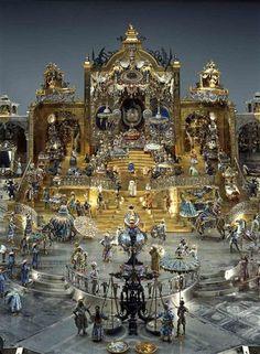 Der Thron des Großmoguls Aureng-Zeb auf originalem Tisch