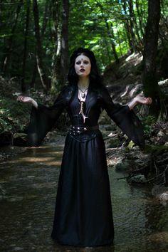 Model/MUA/Photo: Magda Corvinus Top: Queen of darkness Photo assistant: C. Ioan