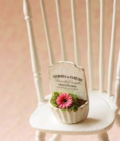 Dollhouse Miniatures Accessories - French Chic Gerbera Daisy Plant