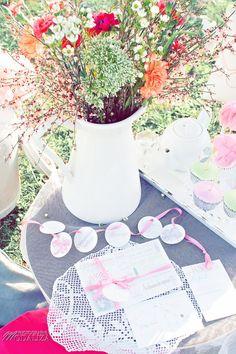 Shooting inspiration mariage Pink & Glitter paper faire part invitation flowers - La Mariée en colère - modaliza photographe