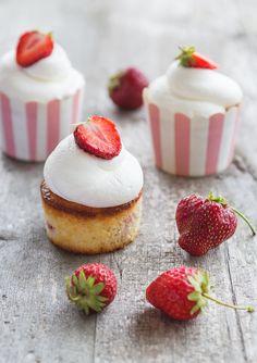 Jordgubbscupcakes | kriiskitchen.se