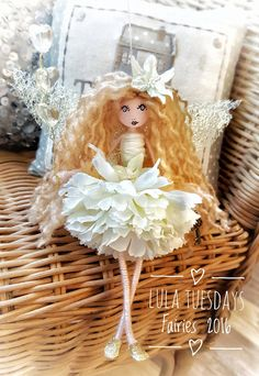 1 million+ Stunning Free Images to Use Anywhere Christmas Fairy, Christmas Angels, Christmas Ornaments, Doll Crafts, Diy Doll, Flower Fairies, Angel Flowers, Mermaid Ornament, Worry Dolls