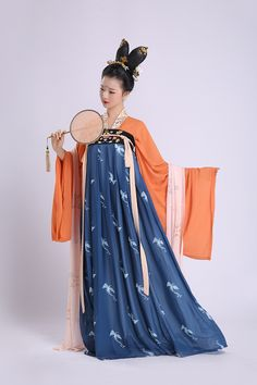 Pictures of hanfu (han chinese clothing) I like. Chinese Traditional Costume, Traditional Fashion, Traditional Dresses, Hanfu, Cheongsam, China Mode, Dynasty Clothing, Business Outfit, Cosplay