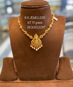 Jewelry Design Earrings, Gold Earrings Designs, Necklace Designs, Pendant Jewelry, Jewelry Sets, Gold Necklace Simple, Gold Jewelry Simple, Gold Necklaces, Wedding Jewellery Designs