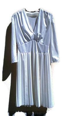 70s DISCO dress/ egg white/ pleated midlong by VirtageHelsinki