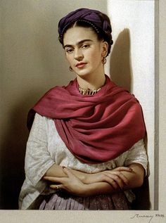 Photographer, Nickolas Muray, 'Frida with Magenta Rebozo, New York'1939 #fridakahlo