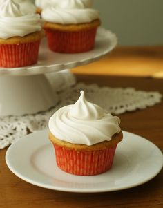 Hazelnut Cappuccino Cupcakes w/ 7-Minute Frosting! LOVE this frosting!!!