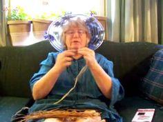 Nancy Today: Pine needle basket base tutorial (pine needle 4)