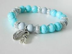 Blue, gray and silver beads stretch bracelet